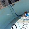 Limpiar una piscina azulejos con cal