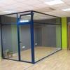 Dos despachos independientes en carpintería aluminio para oficina