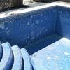 Sustituir gresite en las paredes laterales de la piscina