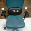 Tapizar dos sillones de oficina
