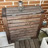 Cambio puerta caseta terraza y barnizado elementos