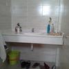 Tres muebles a medida de baño bajoencimera