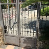 Cambio de cerradura en reja principal y en puerta de garaje ambos de hierro