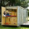 Casa contenedor autosuficiente para espacio rústico