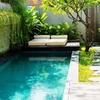 Reformar jardín incluyendo en él una piscina