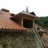 Reforma fachada mas tejado con una viga  rota