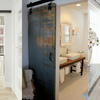 Fabricación e instalación de puerta corredera rústica