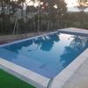 Cubrir una piscina desbordante