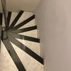 Pintar tres paredes y dos puertas en escalera
