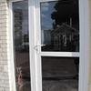 Instalación de una puerta de entrada remplazando una puerta de garaje