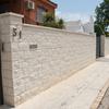 Muro de hormigon blanco