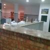 Local con bebida y suministros de proveedores