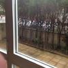 Instalar valla metálica en perímetro de terraza a pie de calle