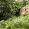 Reforma integra rehabilitando una casa de piedra en ruinas