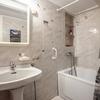 Terminar suelo y sellados de sanitarios y esquinazos del baño