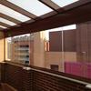 Instalación cerramiento de ático con cortinas de cristal (sin perfiles)