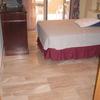 Pulido, abrillantado y arreglo de algunas piezas de marmol rotas en el suelo
