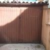Puerta metálica cobertizo