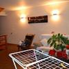 Decoración sala de estar: muebles, estanterias, sofa y distribución