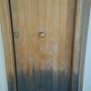 Lijado y barnizado de puertas entrada