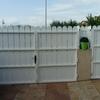 Cambiar armazon puertas de hierro por armazon de aluminio blanco lacado y motorizarlas para su apertura y ciere