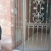 Dos puertas de hierro-forja