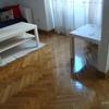 Reparara 1 m2 de parquet del salón, dañado por una filtración de agua (ya aubsanada y seca)