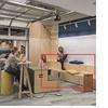 Grada de madera para oficina de 4 metros de largo total aproximadamente