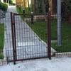Puerta en valla jardin