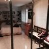Reparar puerta corredera de armario de aluminio con espejo