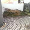 Poner el suelo de hormigon en el patio