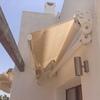 Instalacion de un toldo en una terraza