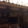 Deshollinar chimenea de barbacoa y horno exterior