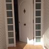 Puerta de casa entrada blanco con cristal barcelona