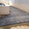 Aplicar barniz con tinte de de cemento impreso sobre terrazo exterior