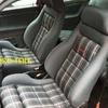 Tapizar asientos delanteros y traseros y los paneles