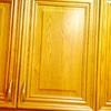 Pintar puertas de cocina de madera maciza