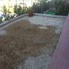 Colocar cemento en zona de jardín en el suelo