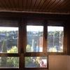 Aislamiento terraza que está cerrada con ventanas oscilobatientes de aluminio pero techo de láminas de chapa