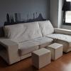 Tapizado de un sofá con cheslonge