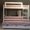 Hacer una cama litera con escalera y barandilla en la parte de arriba y otra cama extensible