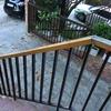Cambio barandillas de madera escalera acceso vivienda unifamiliar