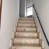 Cambio de dos tramos de escalera de obra por otra solución práctica, ligera y que aporte mas espacio a las habitaciones con las que linda