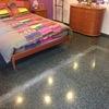Diamantado suelo terrazo para quitar marca de tabique quitado y posteriormente abrillantar las 2 habitaciones