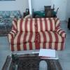 Tapizar un sofá y posiblemente arreglar y tapizar otro