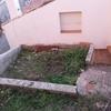 Realización de pequeña terraza en suelo de tierra
