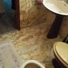 Solicito presupuesto para reforma baño: cambiar conexiones de plomo, desplazar el vater y dejar nuevo suelo colocado en pontevedra