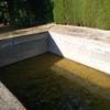 Relleno de hormigon antigua piscina llena de escombros