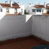Incluir terraza-azotea de 2,5m x 3m techar (con tejado a un agua), tapiar, colocacion de ventana, y preparación de suelo para tarima flotante