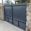 Reforma ventanas en parcela más puerta de acceso